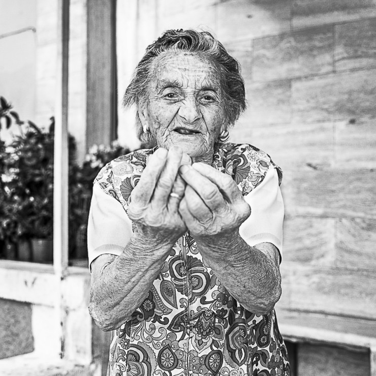Ce v'acchiànne? - What the heck do you want? - Maria, born in 1931